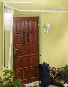 Gutta Standard boční stěna 180 hnědá