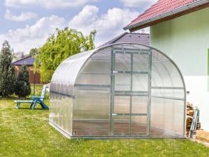 Zahradní skleník z polykarbonátu Gardentec Classic - 8 x 3 m